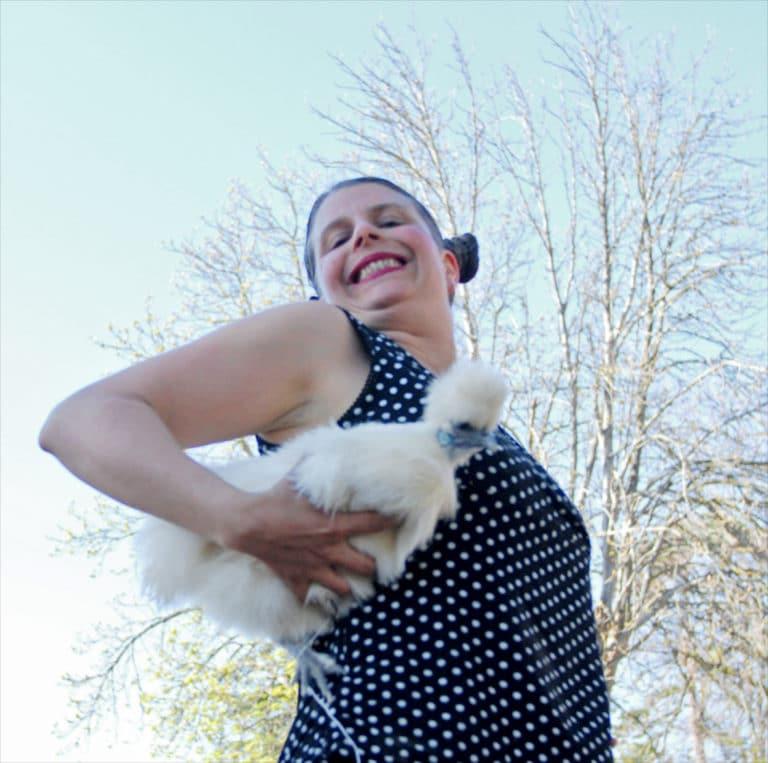 Clementine Vorobioff est une comédienne de la compagnie equinote sur le spectacle de chevaux.