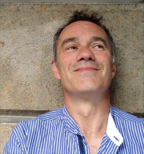 MArc dieterich est un artiste de la compagnie equinote. Il est comédien du spectacle avec des cheveaux : Des chevaux dans la soupe.